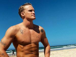 Cody Simpson Thirst-traps Without Even Trying